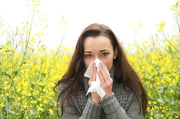 Какие капли в нос от аллергического насморка лучше выбрать и почему