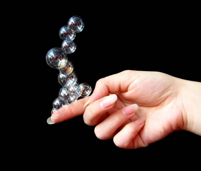 Между пальцев рук водянистые пузырики—;что это, причины, лечение