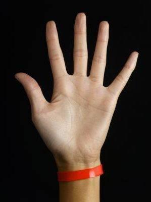 водяные пузырьки на пальцах рук