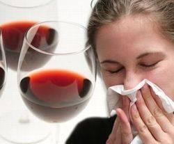 Аллергия на вино у девушки