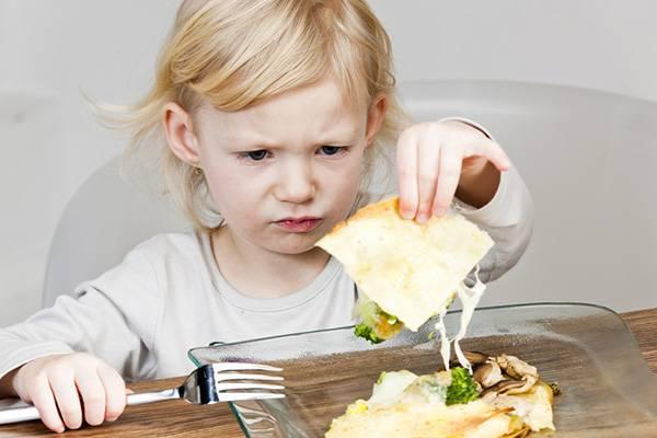 У детей во время болезни часто пропадает аппетит
