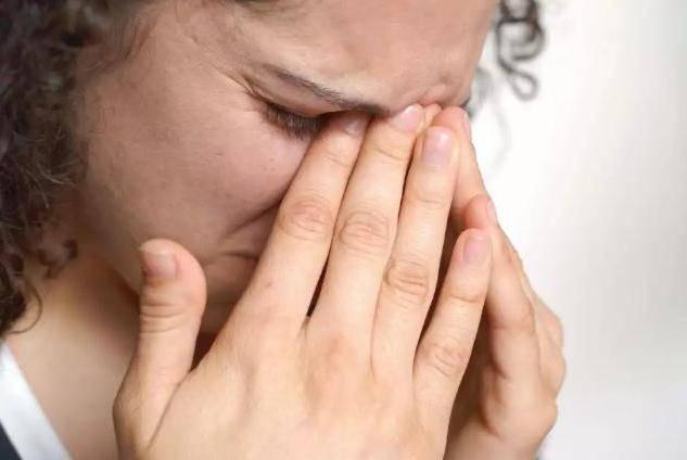 аллергия вокруг глаз чем лечить