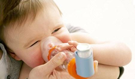 лечение бронхиальной астмы у детей, ребенок с аппаратом
