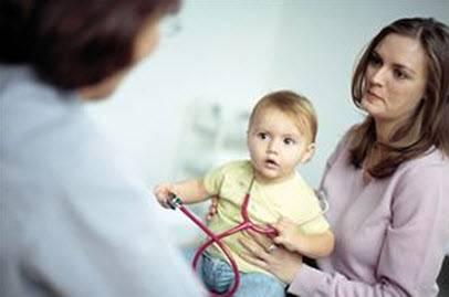 лечение бронхиальной астмы у детей, мама, ребенок и врач