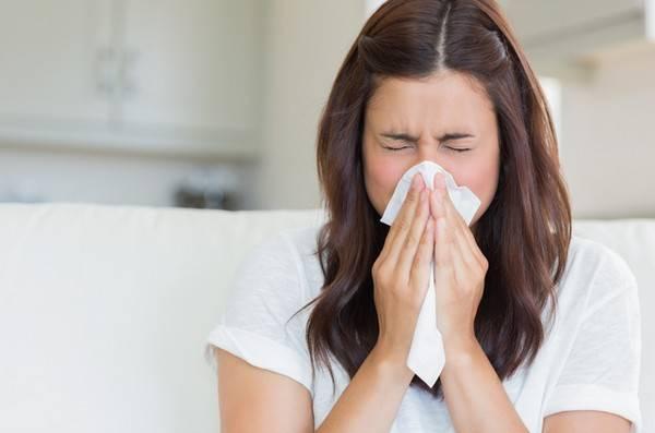 Аллергия часто может сопровождаться заложенностью носа