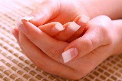 Аллергия на руке в виде волдыря