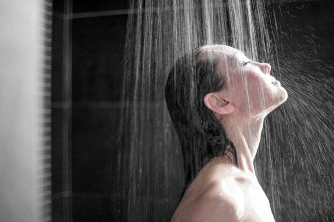 снять зуд - принять душ - фото