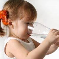 Пить много водыы