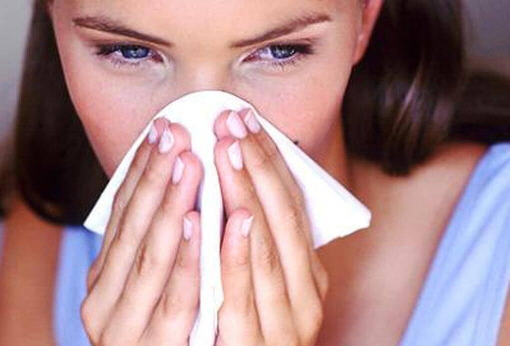 Проявления аллергии носа