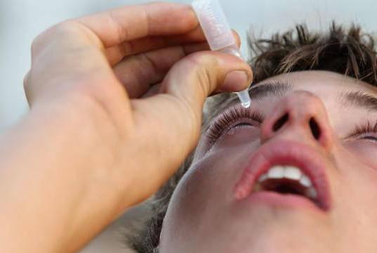 как лечить аллергию на веках глаз