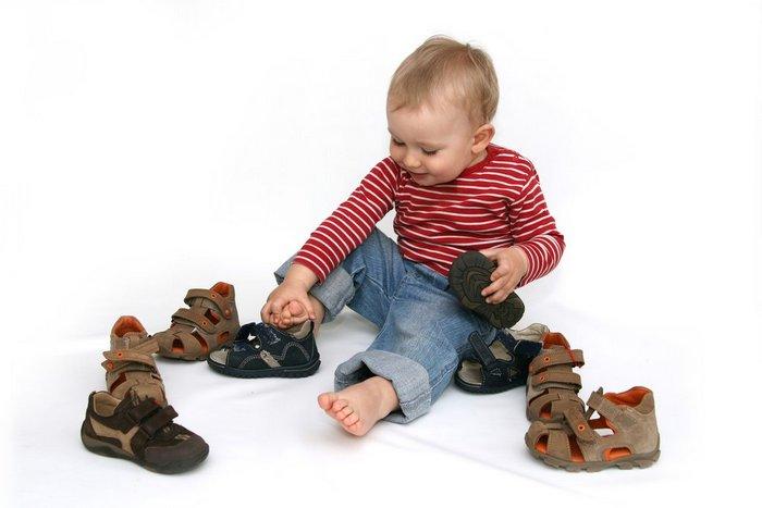 Что может подсказать родителям обувь ребенка?